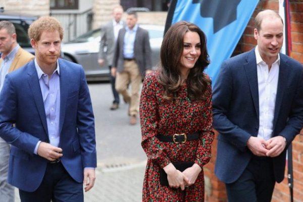 Кейт Миддлтон и принц Уильям посетили рождественский праздник для волонтёров The Mix  