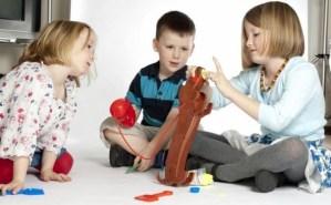 Чего хотят дети и их родители на Новый Год  