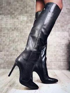 Высокие женские сапоги